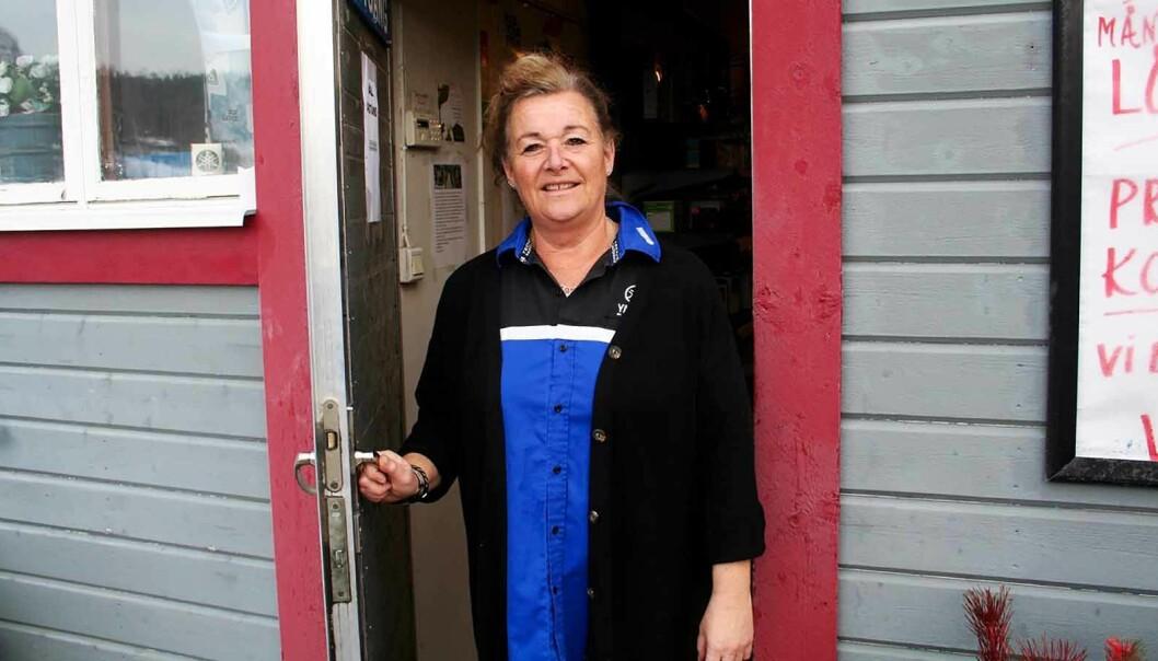 """""""Det har varit rätt lite folk"""", tyckte Annika Lindström. Hon äger och driver """"Holmgrens"""" i Stugun."""