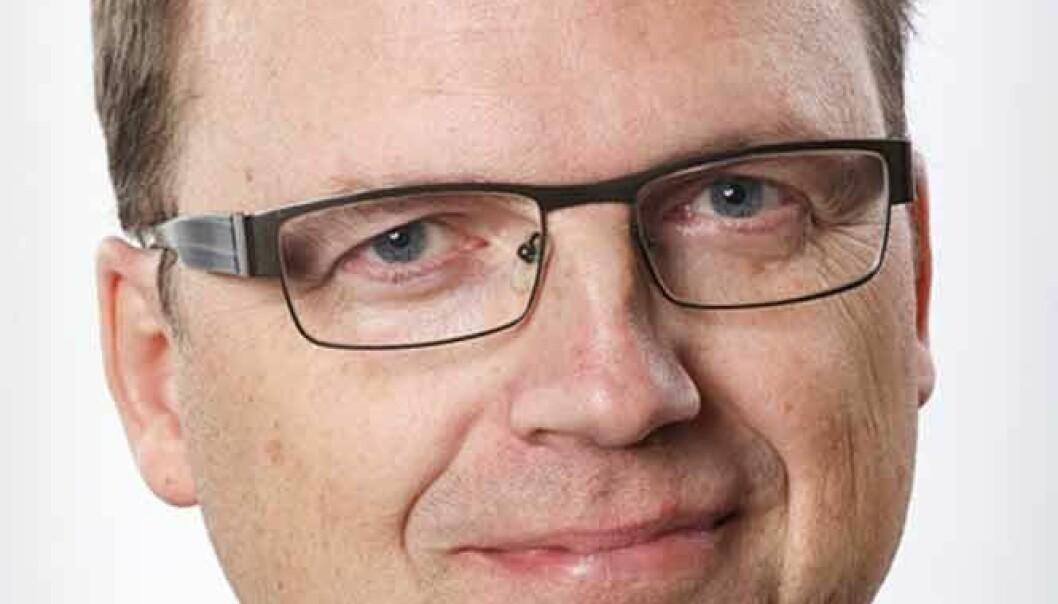 """Kommunalrådet Björn Hammarberg (M) är svärson till Per-Lennart Persson och gift med Anna-Carin Hammarberg, företrädarna för Affloardal Energi. Han anmälde jäv när det första avtalet ingicks 2014. Han skriver nu på sin öppna fb: """"Att nu en tidning grovt brister i både journalistisk sedlighet, grundläggande samhällskunskap samt källgranskning och faller ut i personangrepp och populistiska utspel mot enskilda tjänstemän är ju oerhört osmakligt och kanske rent av brottsligt!"""""""