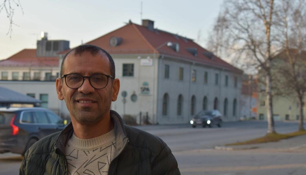 Ahmed Hussein från Jemen är en av de SFI-elever som bytt från Krokom till Östersund, då han inte var nöjd med undervisningen. I sitt hemland var han polischef och parlamentsledamot.