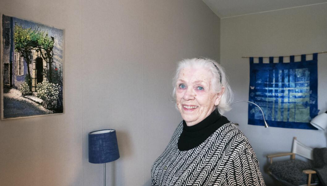"""Kerstin Broström, 89, i Bräcke har varit konstnär under stora delar av livet. Under pandemin har det blivit ännu viktigare. """"Jag hade inte överlevt utan det här"""", säger hon."""