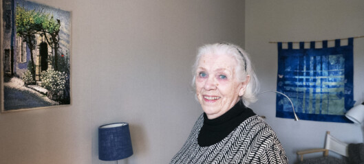 """Konsten gör att Kerstin, 89, klarar isoleringen under pandemin: """"Hade inte överlevt utan det här"""""""