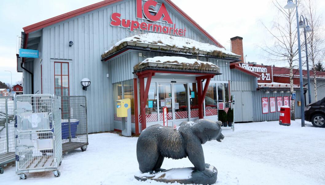 Det är tufft för butikerna i Funäsdalen. Ica tappar 50 procent av försäljningen och varslar sin personal.