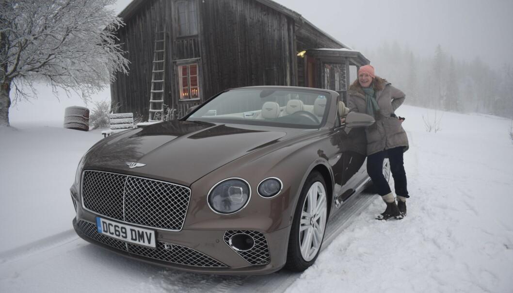 JT:s journalist vid den nya Bentleyn.