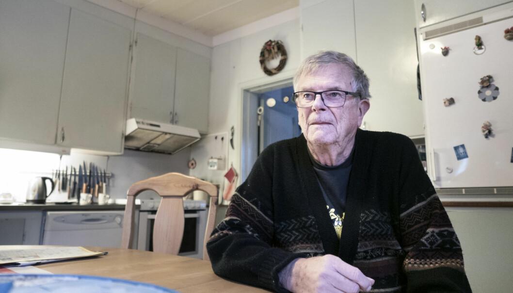 """Parkinsonsjuke Sven-Erik Falkenström har väntat i snart tre veckor på att få ut medicin. Han har inte heller fått träffa neurologen under hela 2020, trots att han ska bli kallad två gånger per år. """"Det är en väldigt viktig kontroll"""", säger han."""