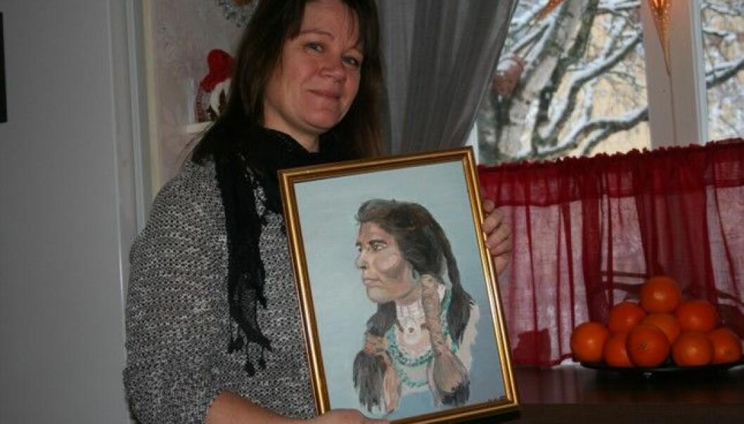 Ulrika Gulliksson-Leijon målar främst djurporträtt men även blommor, fordon och mycket annat.