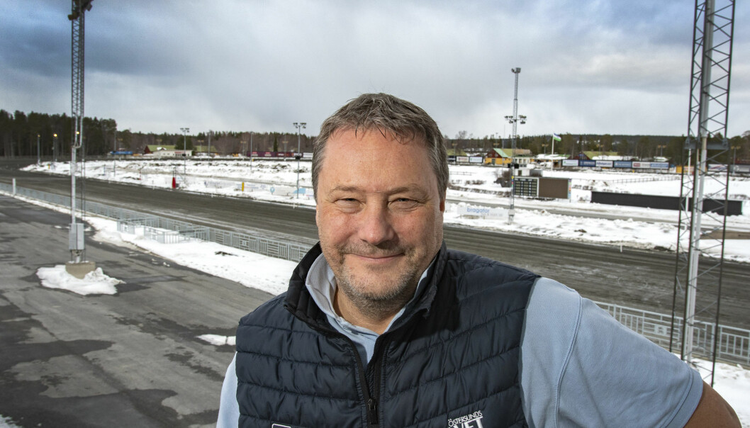 - Vi förstår att kommunen är intresserad av marken. Detta är ju Sveriges mest centralt och bäst belägna travbana, vi har inte tänkta att släppa iväg den, säger Håkan Karlsson, ordförande för Östersundstravet.