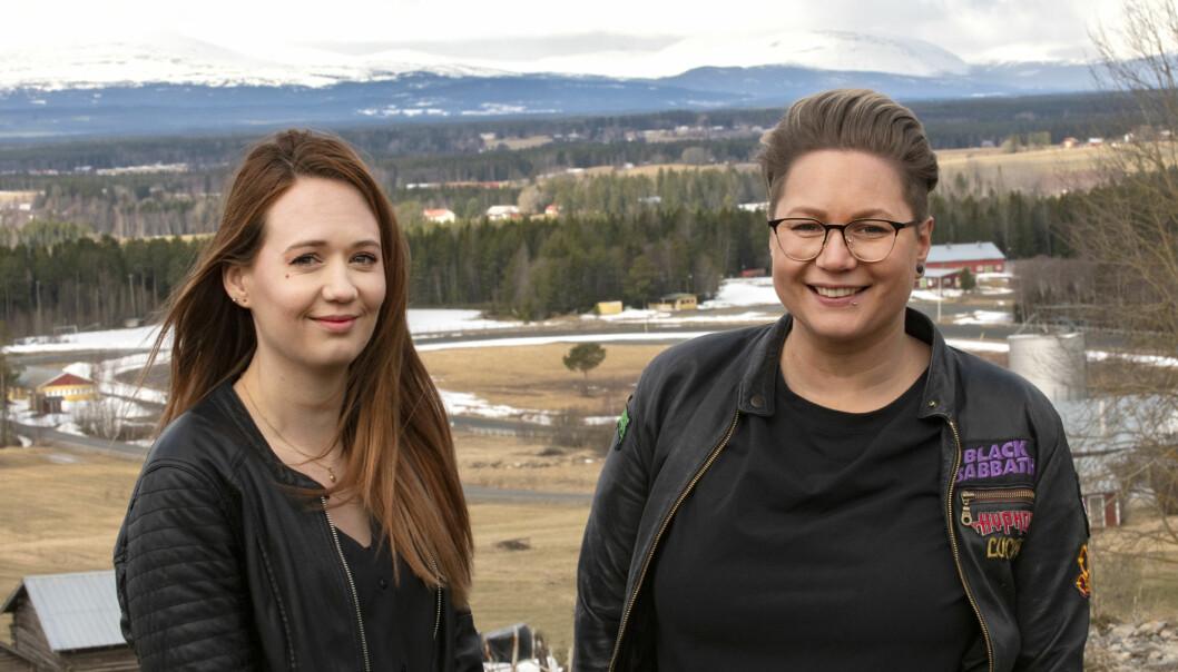 Systrarna Sara Brattlin o Johanna Olofsson Dahlén startar frisersalong i Oviken med fjällutsikt.