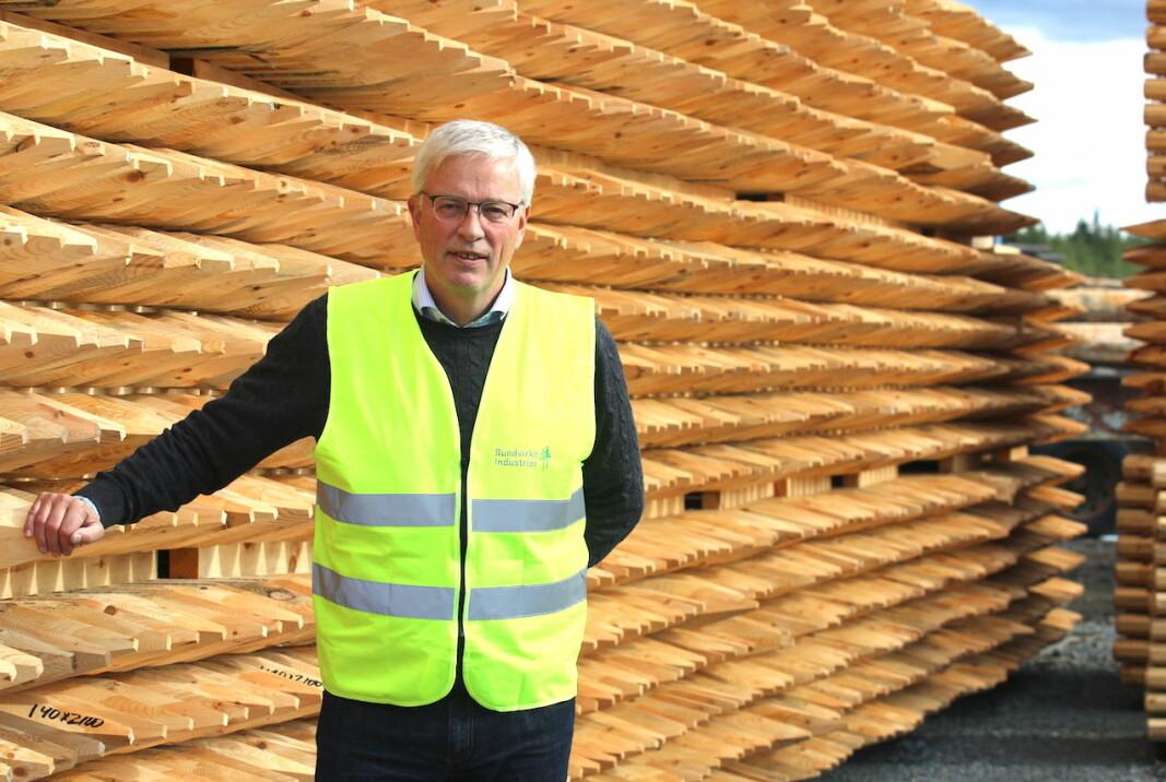"""Octowood har ökat sin produktion under pandemin. Nu vill bolaget bygga en ny träskyddsanläggning för 30 miljoner kronor. """"Förhoppningen och ambitionen är att det här ska skapa ytterligare arbetstillfällen"""", säger Leif Berglund, vd. Foto Patrik Sjöö"""