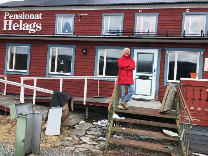 Johanna Larsdotter Öhman är redan igång med att rensa och städa pensionatet inför kommande renovering.