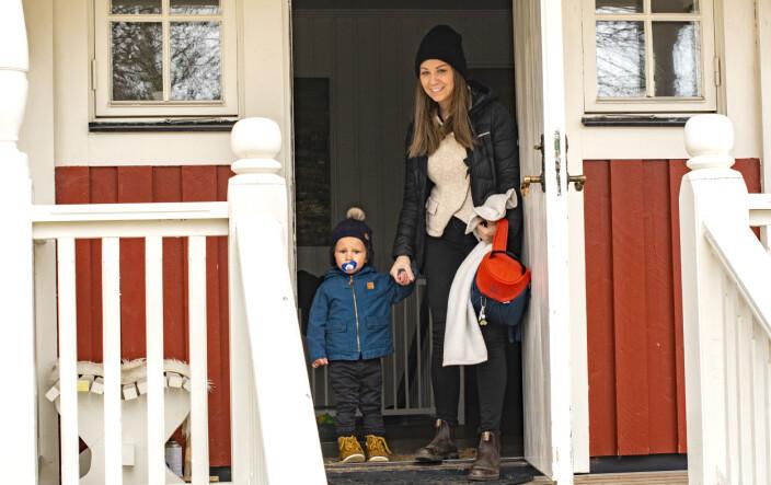 Kilian och mamma Malin Martinsson är på väg till Kilians första dag på förskolan.