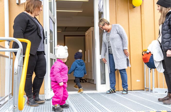 Kilian var första nya barnet in på förskolan i Myre, denna premiärmåndag.
