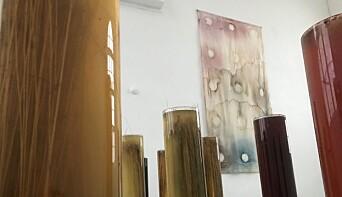 """Ett färgexperiment med lin från utställningen <span class="""" italic"""" data-lab-italic_desktop=""""italic"""">Sjølingstad, Haghed, Blanca, Gnesta</span>."""