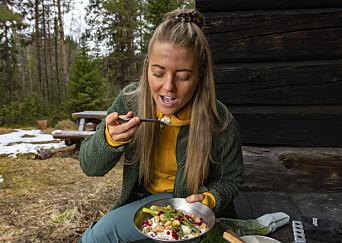 – Alla är så positiva till det jag gör. De som hör av sig har blivit peppade av mina recept. Jag erbjuder vegansk mat på ett sätt som är lockande, hellre än bråkar om vad som är rätt eller fel. Det är ju upp till var och en, säger Natta som hon ofta kallas och hennes sida på Instagram heter Foodbynatta.
