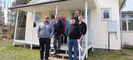 Välbesökt möte i Valsjöbyn när ortsbor bjöd in politiker om skolan