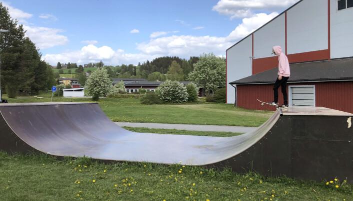 Arvid Hulkki, ungdomsledamot styrelsen för Strömsunds Skateförening, tog initiativet till en ny streetpark i Strömsund.