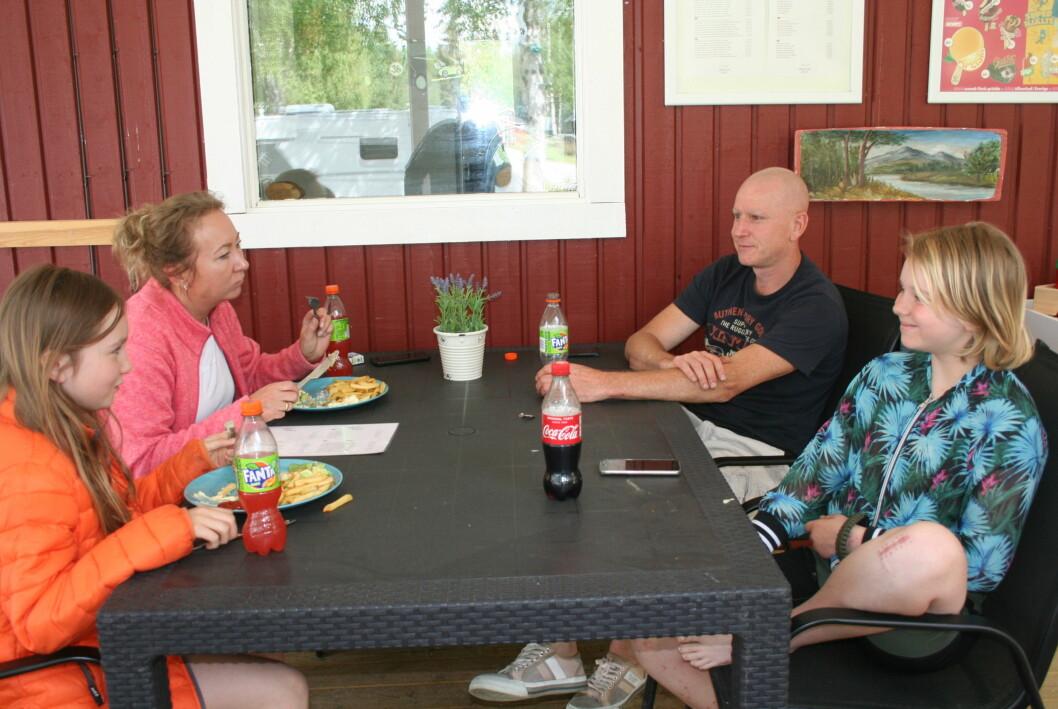 Familjen Happel var tidigt i gång med sin brunch. Från vänster: Iris, Miranda, Ardjan och Jill