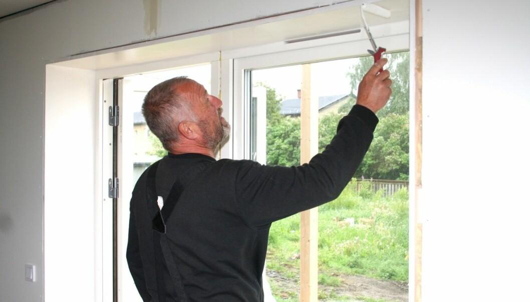 Entreprenören och byggmästaran Anders Engström gillar att bo och verka i Stugun. Han bidrar, bland annat, till utvecklingen genom att skapa nya bostäder.