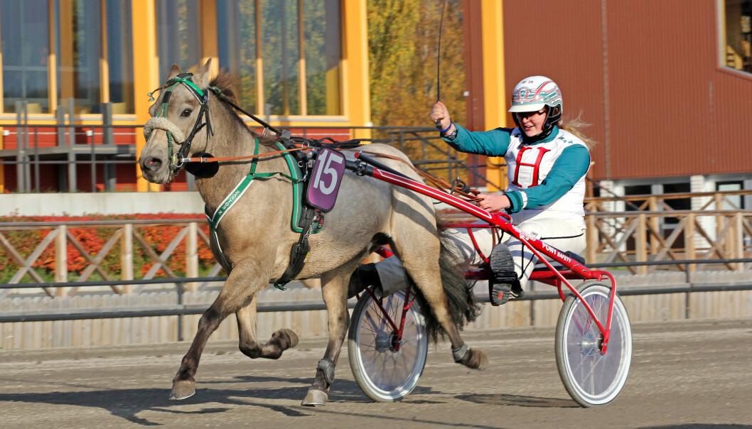 Hannah Norredahl har tävlat många tävlingar med sin unga häst Zantos. I år fick de för första gången delta i Elitloppet.