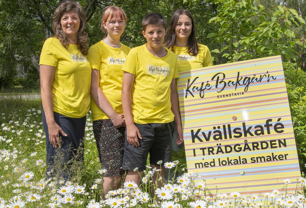 <p>Gänget bakom kvällscaféet i Svenstavik. Margaretha Lindbäck, Hedda Andersson, Hannes Hansson och Vera Hansson.<br></p><p> – Detta gör jag för att jag mina barn ska göra något tillsammans, säger Margaretha Lindbäck.<br></p>