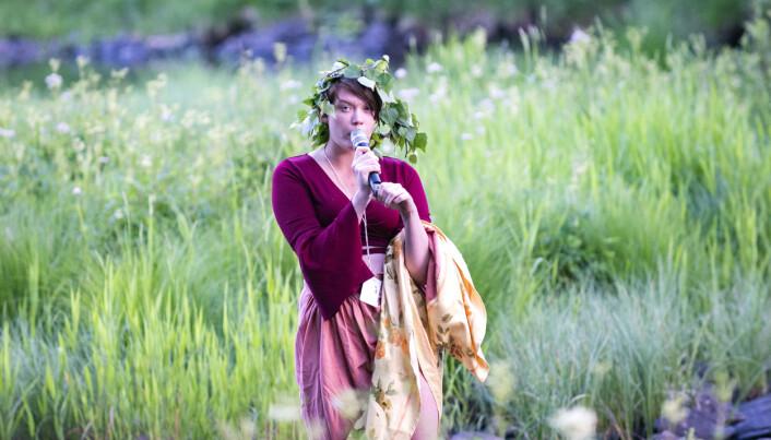 """Matilda Landgren sjöng Alice Tegners vaggvisa från 1892 """"Vallgossens visa"""" mera känd som """"Tula hem och tula vall""""."""