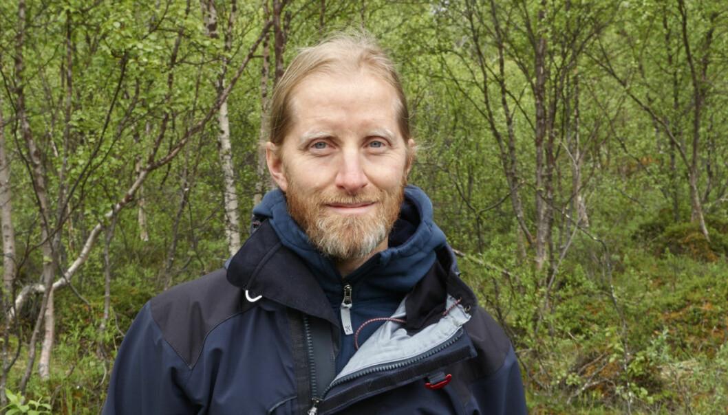 Jan Karlsson, forskare, vill förstå klimatets påverkan på hur mycket växthusgaser Sveriges vattensystem avger och lagrar. Foto: Privat