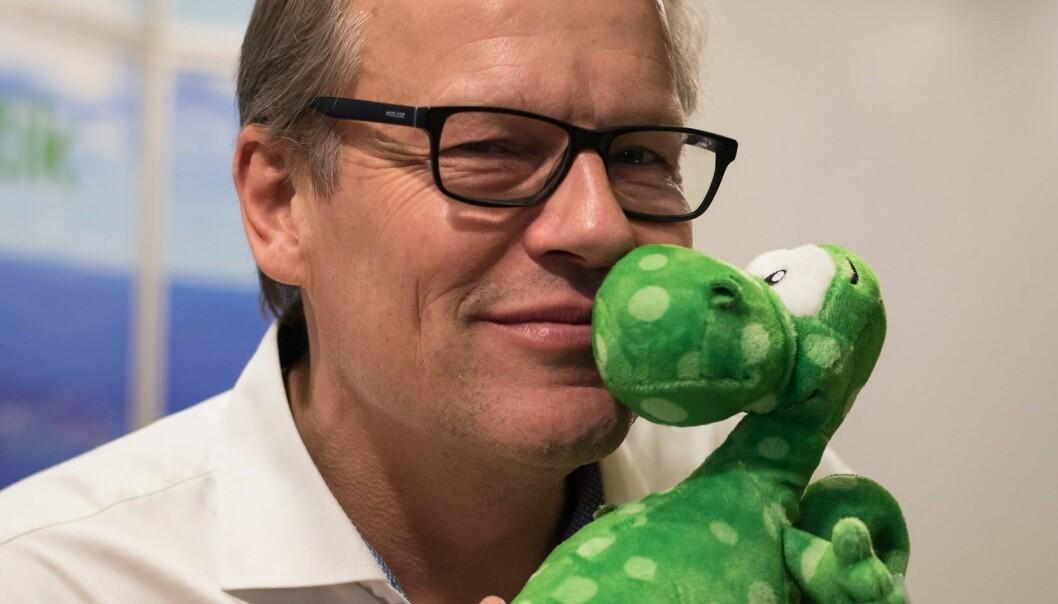 Curt Jonsson driver Storsjöodjurscentret i Svenstavik och arbetar aktivt med att fånga Odjuret på video. Foto: Karl Vertergård