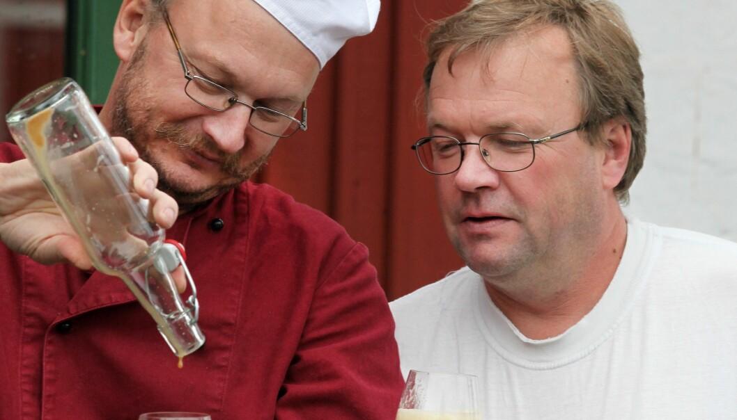 Markägarna och företagarna i livsmedelsbranschen Jan-Anders Jarebrand och Bengt-Johnny Johansson är positivt inställda till en vindkraftsetablering utanför Kälarne. FOTO: Privat.