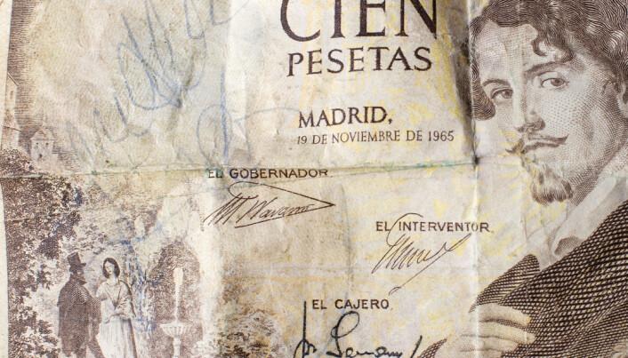 De fyras autografer på var sida om denna hundra pesetassedel som Gunnar Eriksson halade fram till ABBA-kvartetten då de gästade Galhammaren i Svenstavik.
