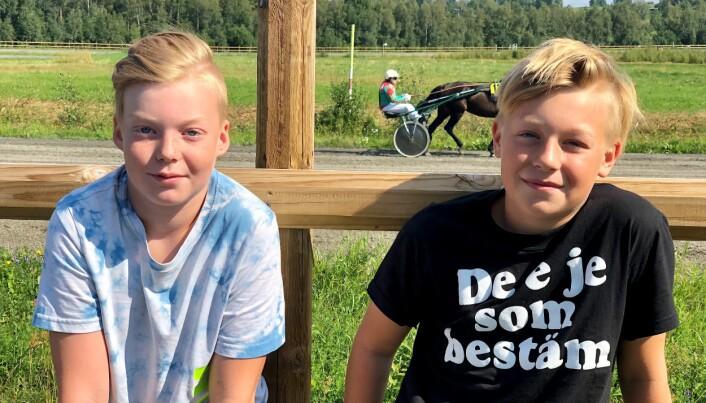Tor Björck och Mattis Arnlo var helnöjda över att få uppleva travet på plats.
