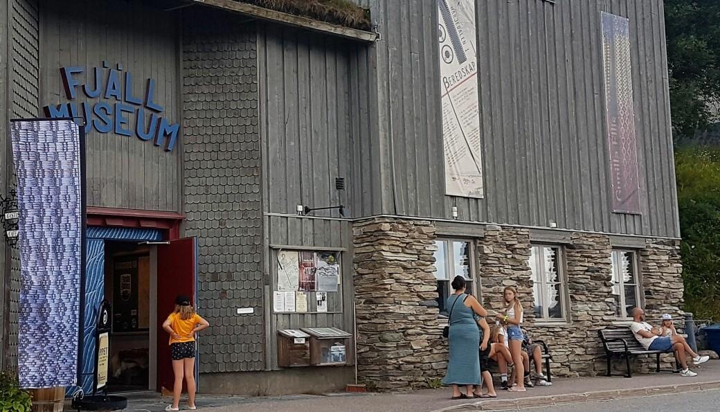 Fjällmuseet ligger vackert mitt i Funäsdalen. Mer folk än vanligt har besökt det i sommar.