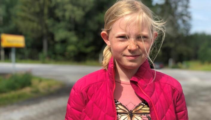 Agnes Israelsson är 11 år gammal och hon kan behöva korsa E14 för att ta sig till skolbussen.