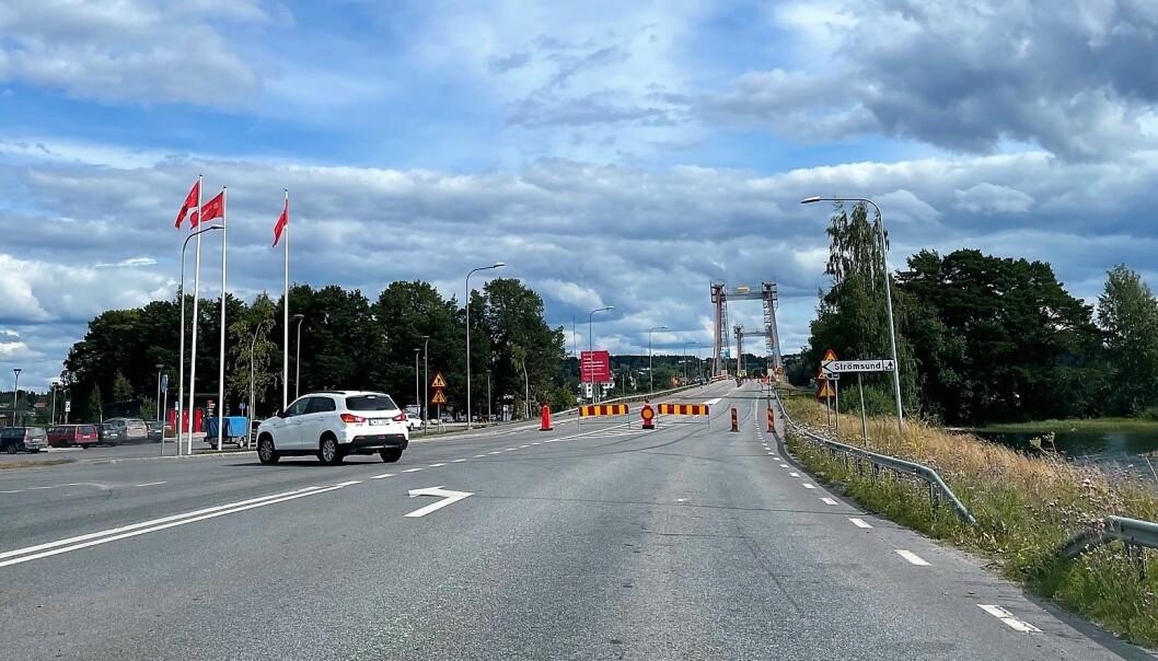 Hemtjänsten får inte dispens köra över Strömsundsbron på helgerna när den är avstängd