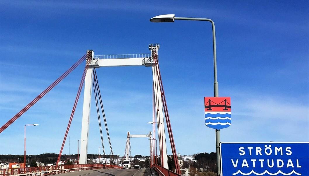 Från i fredags är Strömsundsbron avstängd varje helg fram till i december.