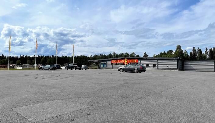 Även Dollarstore på Näsviken påverkas kraftigt. Så här såg parkeringen ut vid butiken kl 13 på lördagen