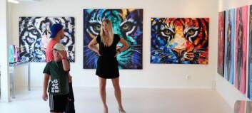 Yta och djup är teman i Marie Plosjös konst