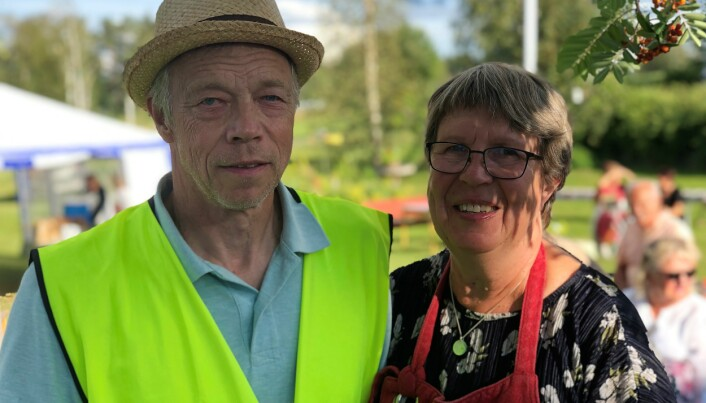 Mats och Monica Jacobsson driver Fru Julianas Gårdscafé och var nöjda efter veteranbilsträffen.