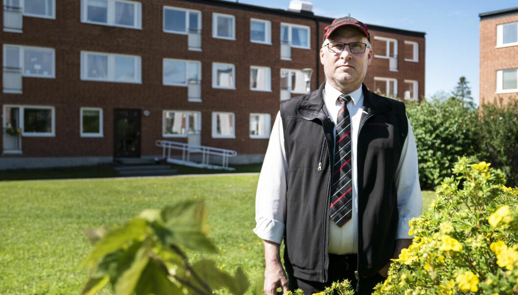 """Håkan Olsson, Grönviken, har fått sin brunn underkänd av Bräcke kommun. Nu har han ett år på sig att åtgärda brunnen. Annars är det bara att stänga av vattnet. """"Rena Nordkorea-stilen, dundrar Håkan Olsson."""