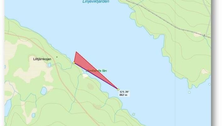 Sjöfartsverket har plottat koordinaterna där de tre markeringspinnarna sitter vid den södra odlingen i Linjevikens två områden. Jämför med bilden på koordinaterna i tillståndet från Länsstyrelsen.