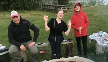 Mat och dryck är viktiga inslag. Här från en grillplats i Sundsjö. Foto från bloggen.