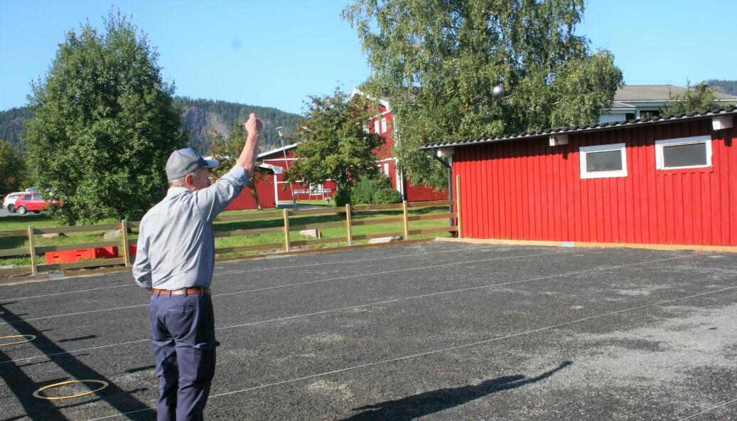 Hugo Hjulfors var den som fick spela ut de första kulorna på banan.