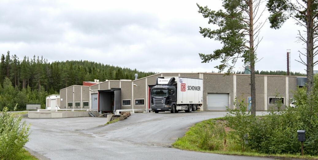 20 anställda har flyttat från Bergs och Östersunds kommuner i samband med att Dollarstore flyttar sina lager i Skanderåsen och Brunflo till det nya centrallagret i södra delarna av Örebro i Närke.