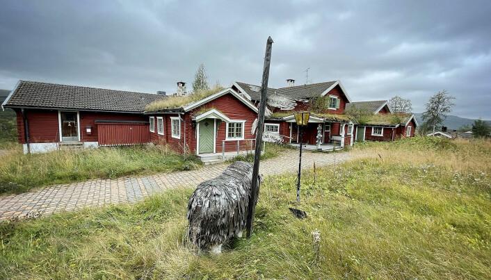 Det är ingen trevlig syn för de som minns hur det en gång såg ut på vid Tänndalens Fjällgård. Foto Håkan Persson.