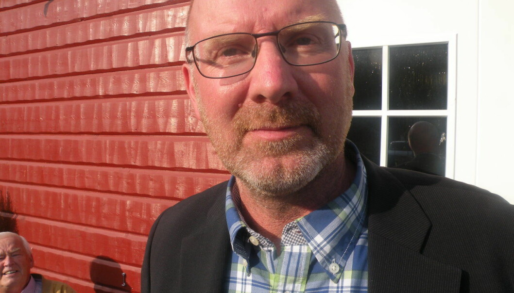 Ragundas kommunalråd Mikael Westin (C) vill att den fortsatta fiberutbyggnaden i Ragunda upphandlas. Samtidigt hotar Servanet med stora konsekvenser för deras kunder i Ragunda om avtalet inte förlängs.