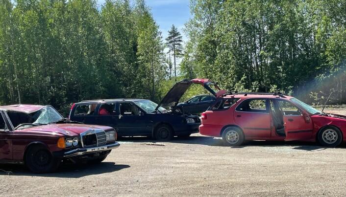 Bilar som dumpats efter E45 mellan Hoting och Lövberga.