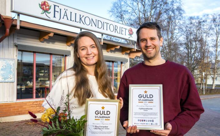 – Det kommer att bli hur bra som helst med matservering på Mötesplats Oviken, säger Björn Forsanker här tillsammans med sin fru Ylva, då de förra hösten tilldelades dubbla guldstjärnor.