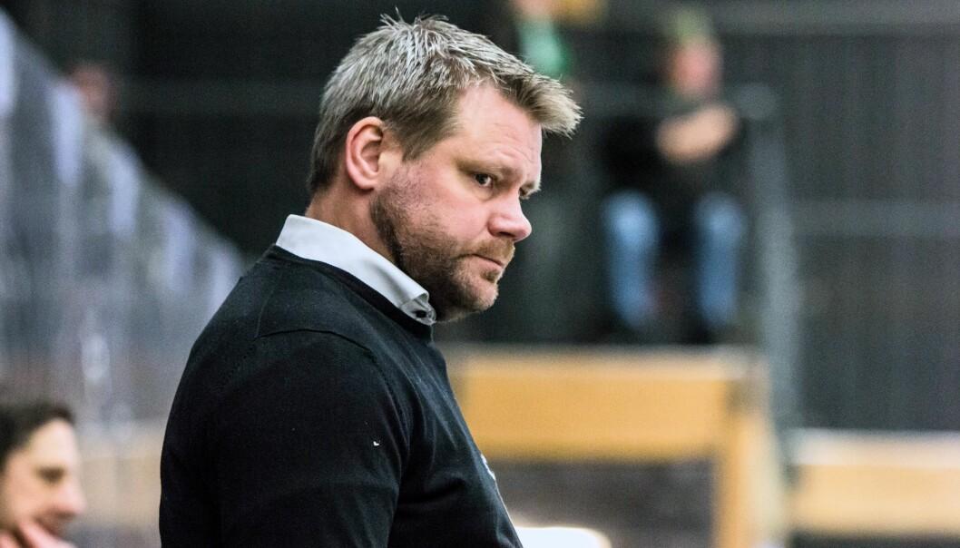 """Kjell-Åke Andersson ser fram emot att få välkomna tillbaka publiken till Östersund Arena. """"Det är idrott som vi håller på med och att spela hockey inför publik går inte att jämföra med hur vi har haft det nu"""", säger han. FOTO: Maria Paulsson/ÖIK"""