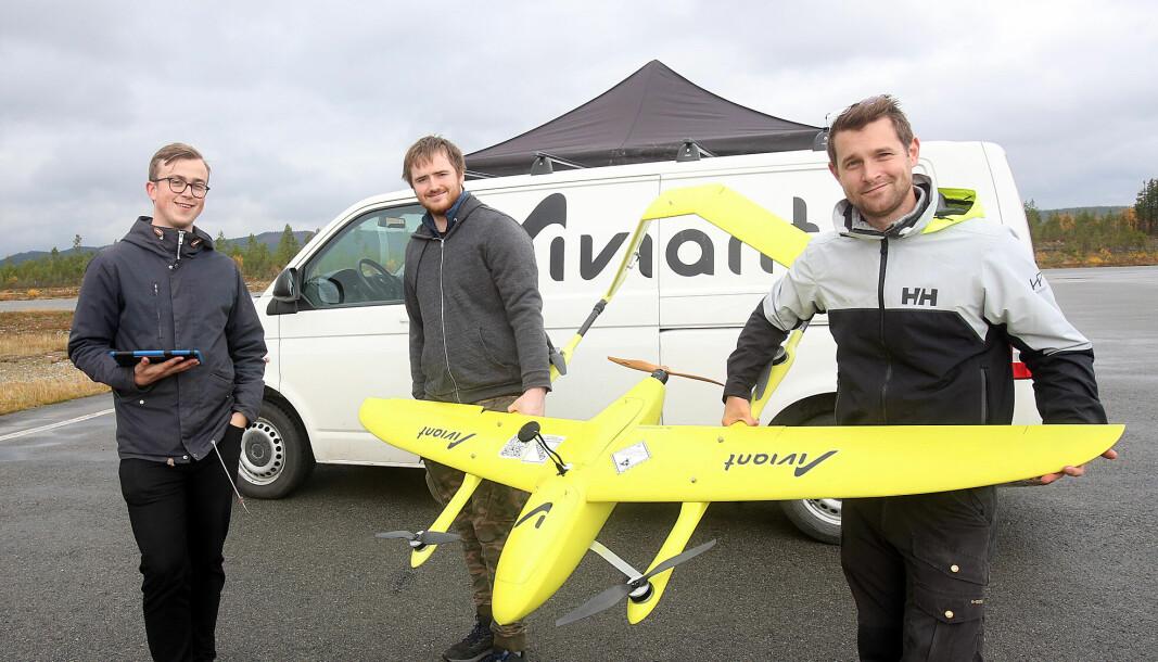 Herman Øie Kolden, Harald Fredrik Christensen och Marcus Örjehag från Aviant AS gjorde de första testerna på Hedlanda.